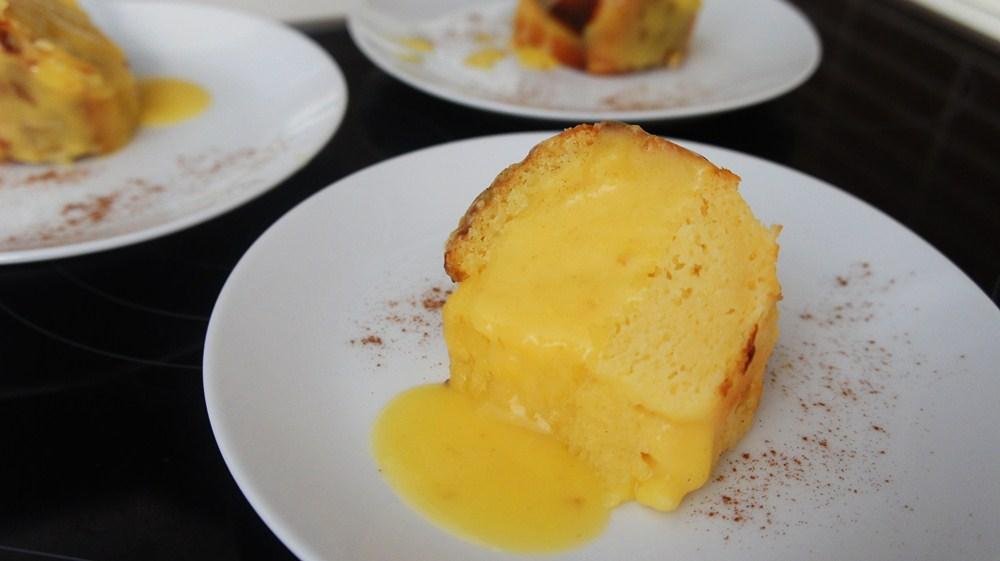 Fatia de bolo de milho cremoso